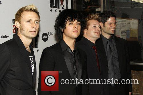 Mike Dirnt, Billie Joe Armstrong and Green Day 5