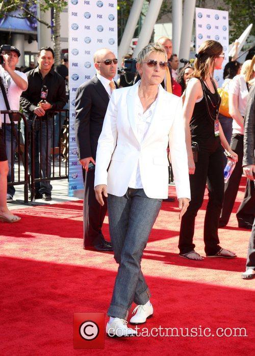 Ellen Degeneres and American Idol 2