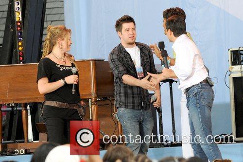 Crystal Bowersox and Lee DeWyze 2010 American Idols...