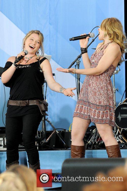 Crystal Bowersox and Didi Benami 2010 American Idols...