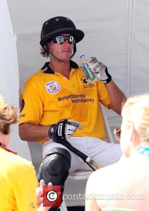 Participate in the 2010 AMG South Beach Men...