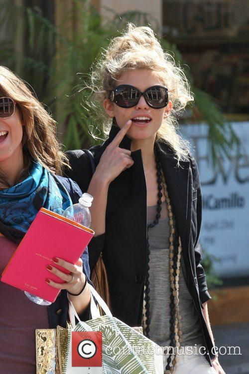 AnnaLynne McCord shopping with her sister, Angel McCord,...