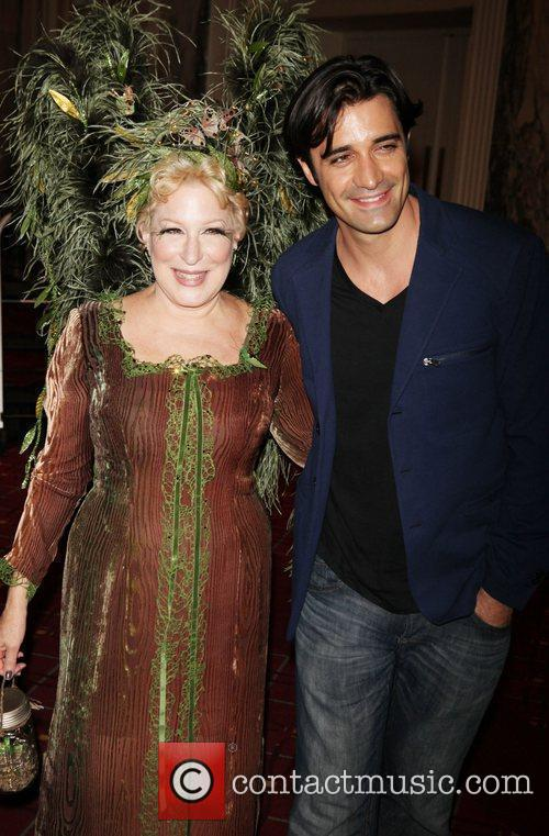 Bette Midler and Gilles Marini 4