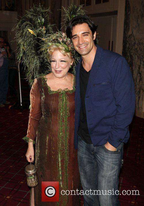 Bette Midler and Gilles Marini 1
