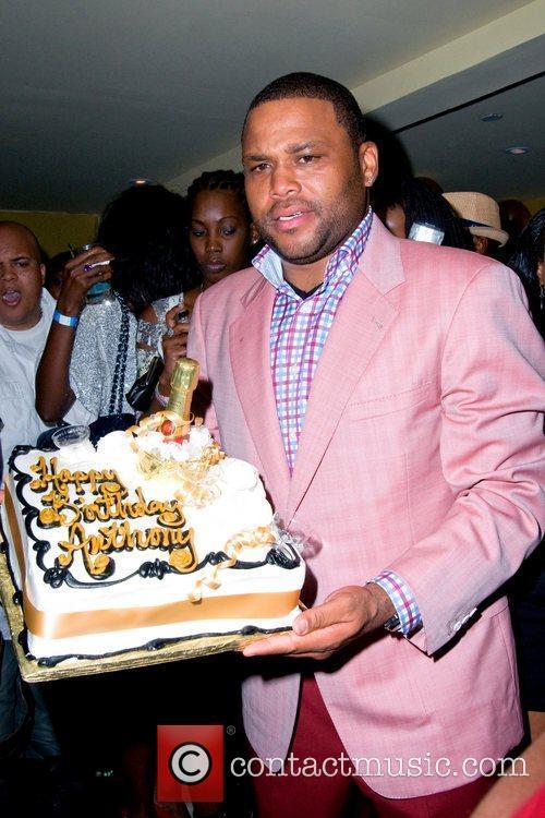 Celebrates his 40th Birthday at Promenade