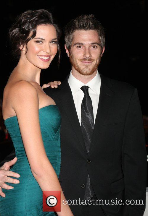 Odette Yustman and Dave Annable 10