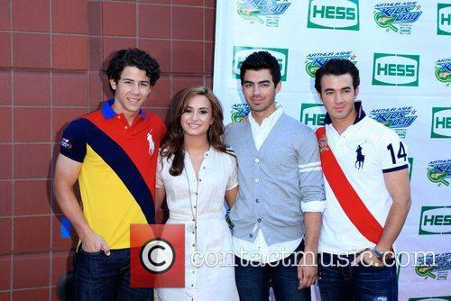 Jonas Brothers, Billie Jean King and Demi Lovato 5