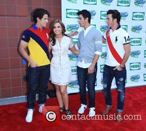 Jonas Brothers, Billie Jean King and Demi Lovato 8
