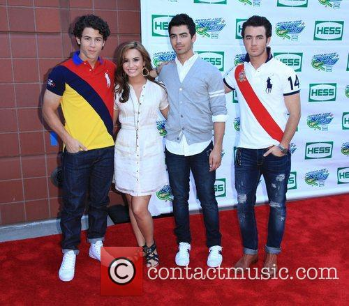 Jonas Brothers, Billie Jean King and Demi Lovato 10