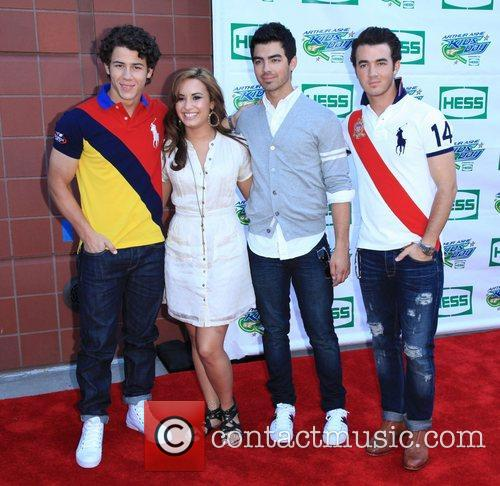 Jonas Brothers, Billie Jean King and Demi Lovato 6