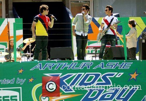 Jonas Brothers and Billie Jean King 1