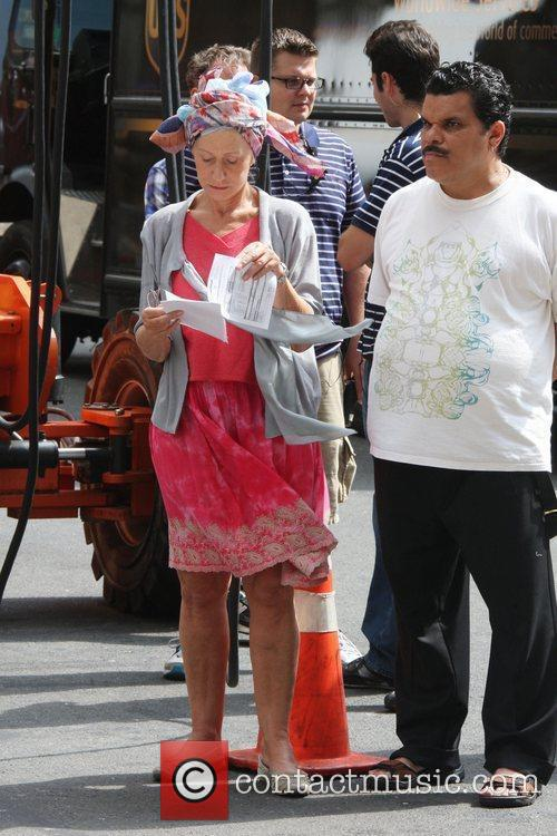 Helen Mirren and Luis Guzman