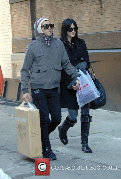 Pete Wentz and Ashlee Simpson 8