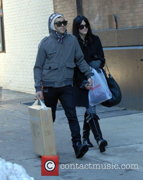 Pete Wentz and Ashlee Simpson 10