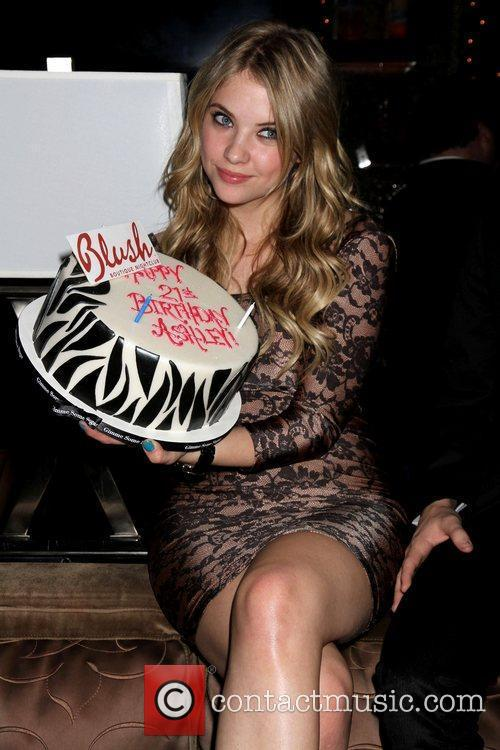 Ashley Benson and Las Vegas 4