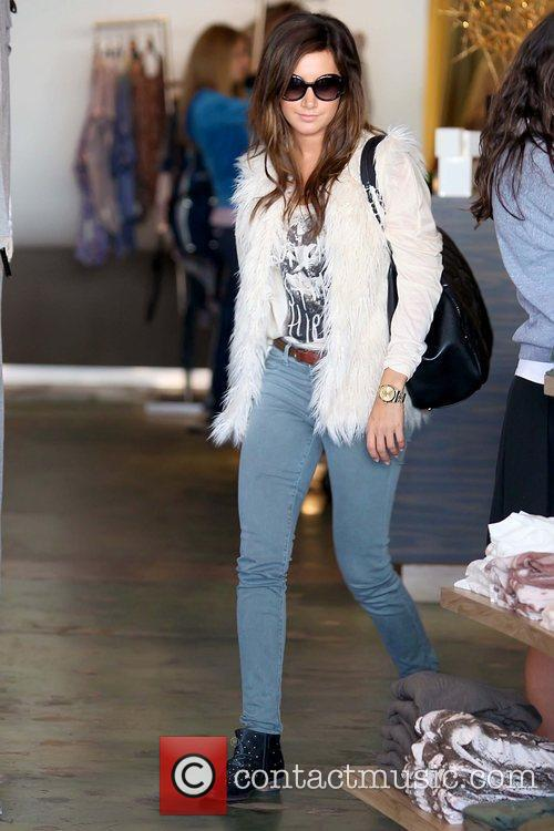 Ashley Tisdale 'Hellcats' star shopping at Planet Blue...