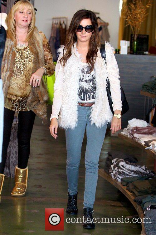 Lisa Tisdale and Ashley Tisdale 'Hellcats' star Ashley...