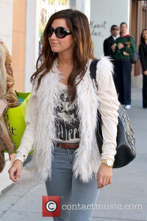 Ashley Tisdale 'Hellcats' star shopping with her mother...