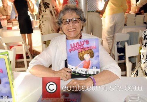 Author Arlene Alda attends the '2010 Authors Night',...