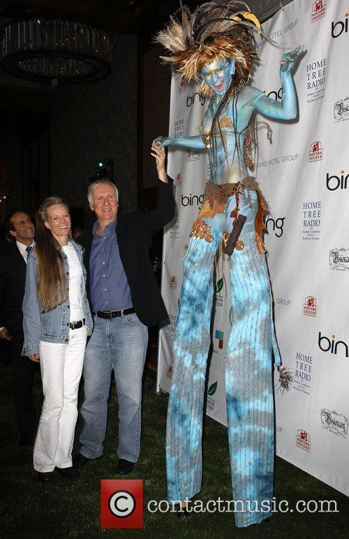 James Cameron, Suzy Amis and 'avatar' Neytiri 2