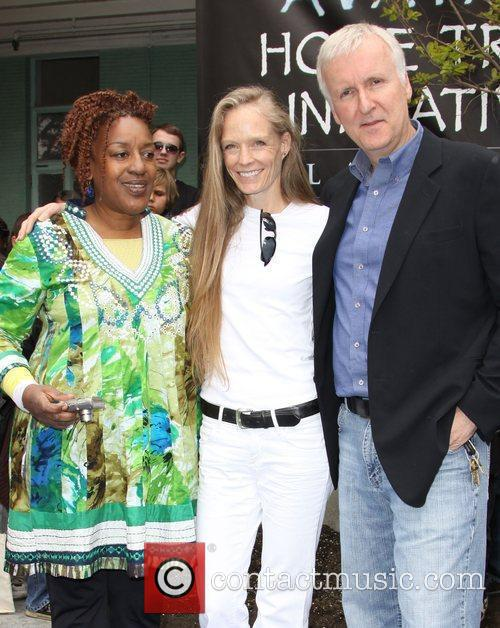 Cch Pounder and James Cameron 9