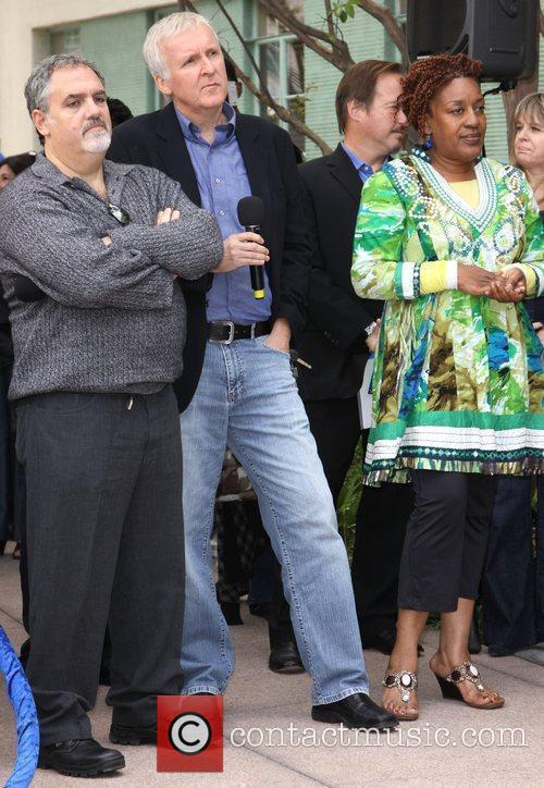 James Cameron, Jon Landau and Cch Pounder 3