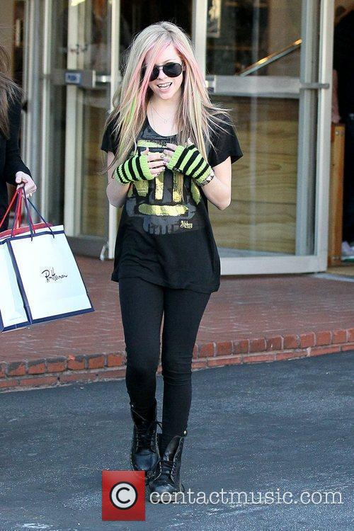 Avril Lavigne and Fred Segal 4