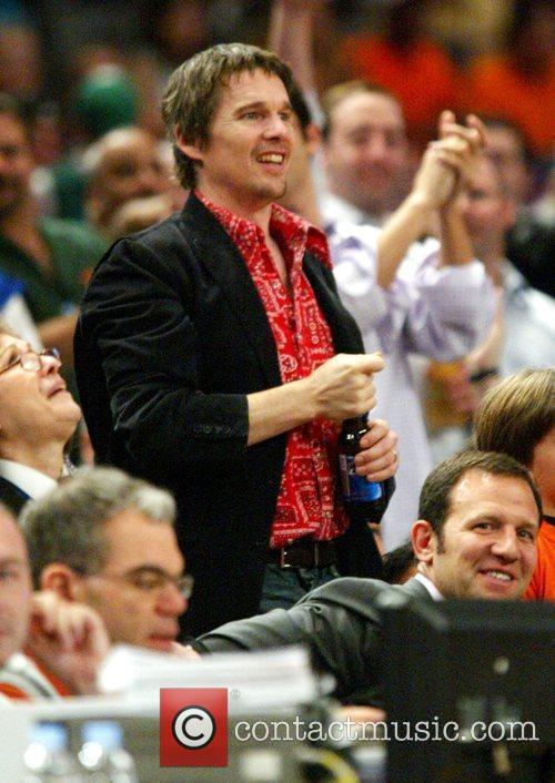 Eathan Hawk Celebrities at New York Knicks v...