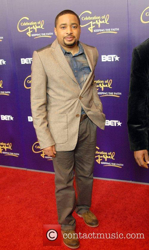 Smokie Norful  appears on the red carpet...