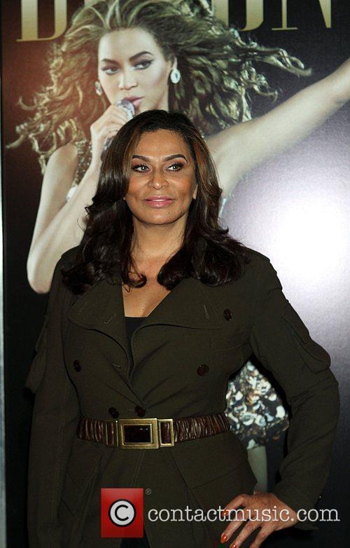 Tina Knowles 4
