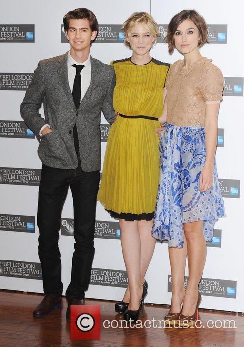 Andrew Garfield, Carey Mulligan and Keira Knightley 9