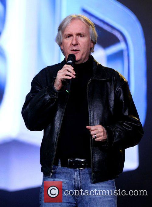 James Cameron and Black Eyed Peas 5