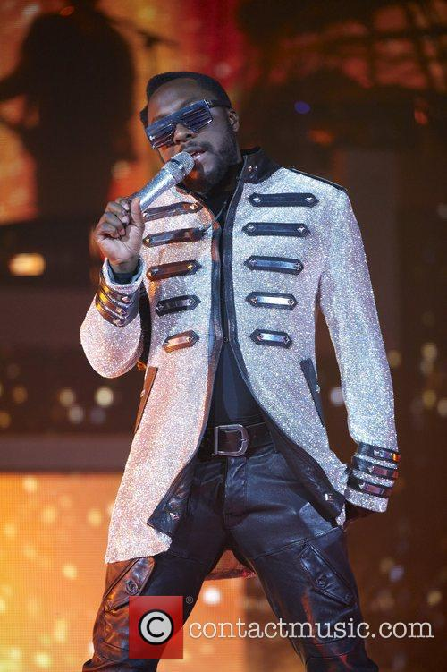 Will.i.am The Black Eyed Peas perform live in...