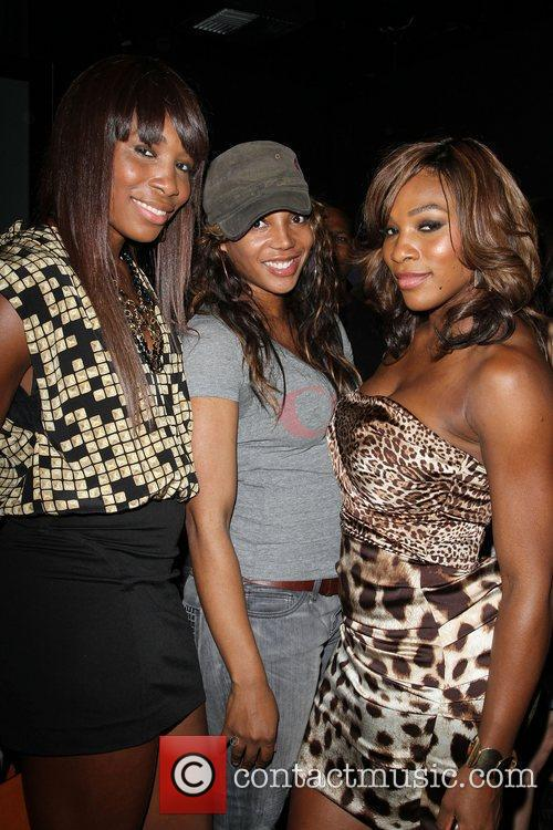 Venus Williams and Serena Williams Blackberry Torch From...