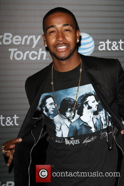 Omarion Blackberry Torch From AT&T U.S. Launch Party...