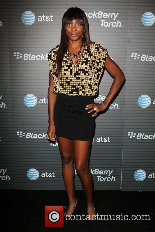 Venus Williams Blackberry Torch From AT&T U.S. Launch...