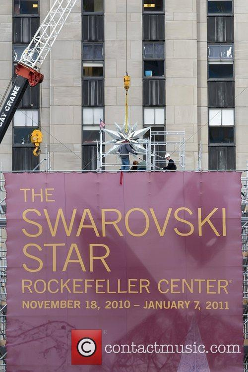 Atmosphere Swarovski star that will top the 2010...