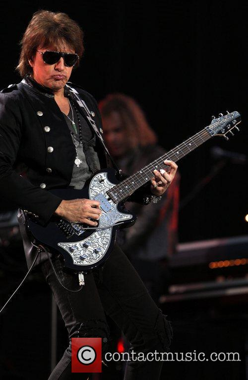 Richie Sambora and Bon Jovi 3