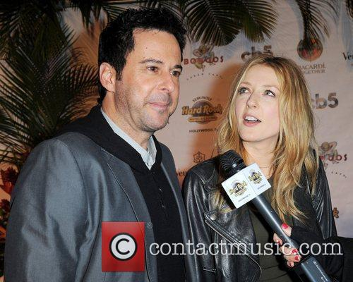 Jonathan Silverman and Jennifer Finnigan 3