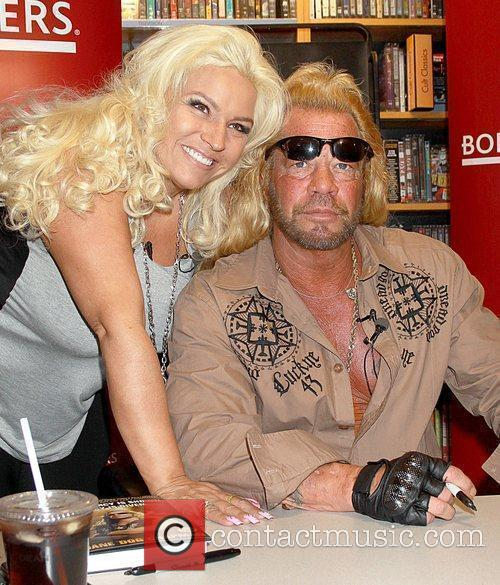 beth dog bounty hunter pictures. Bounty Hunter Beth