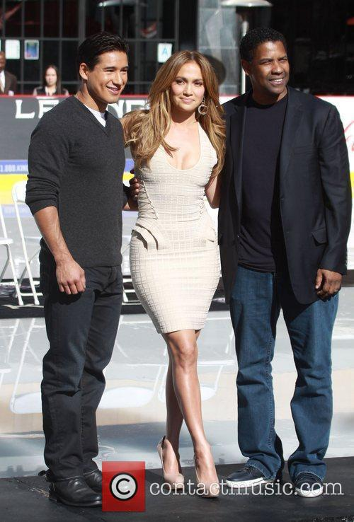 Mario Lopez, Denzel Washington and Jennifer Lopez 1