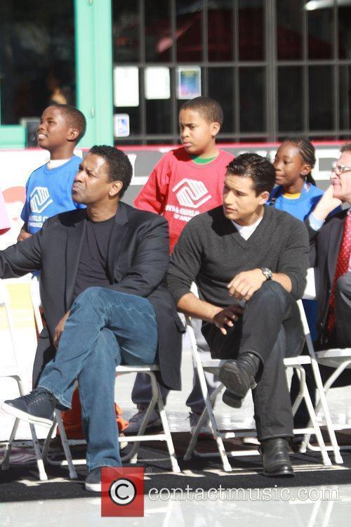 Mario Lopez and Denzel Washington 1