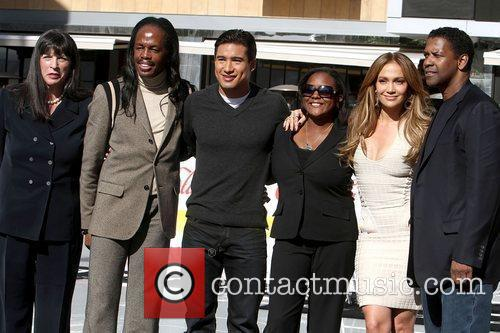 Mario Lopez, Denzel Washington and Jennifer Lopez 7