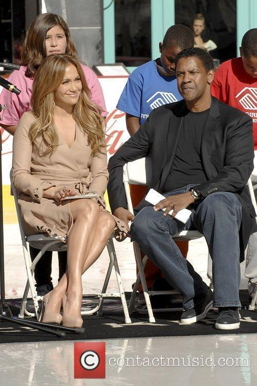 Denzel Washington and Jennifer Lopez 9