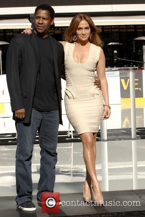 Denzel Washington and Jennifer Lopez 10