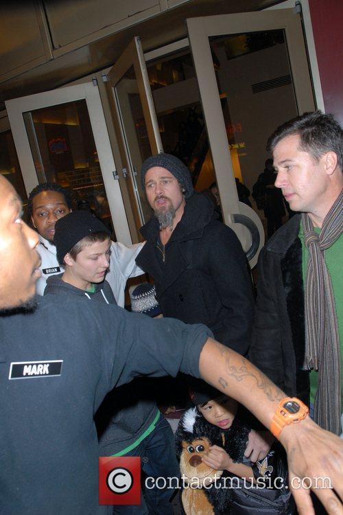 Brad Pitt and Pax Thien Jolie-pitt 3