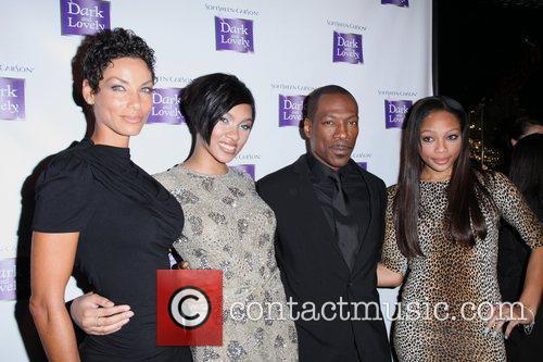 Nicole Murphy, Bria Murphy and Eddie Murphy 6