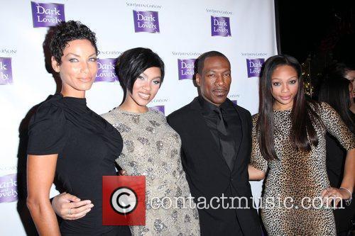 Nicole Murphy, Bria Murphy and Eddie Murphy 3