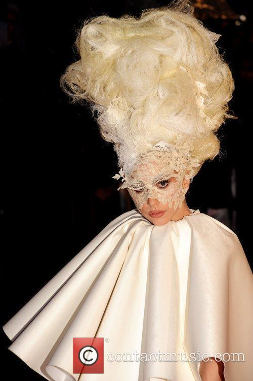 Lady Ga Ga The BRIT Awards 2010 -...