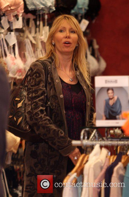 Out shopping with her daughter at the 'Under...